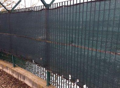 Rete plastic posa in opera recinzioni impianti sportivi for Oscuranti per recinzioni